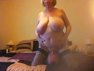 Very busty mature wants her pussy licked